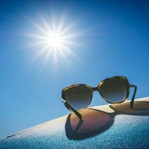 ビーチヨガ、アウトドアヨガにほしい!夏の日差しに負けない!おすすめ紫外線対策グッズ9選