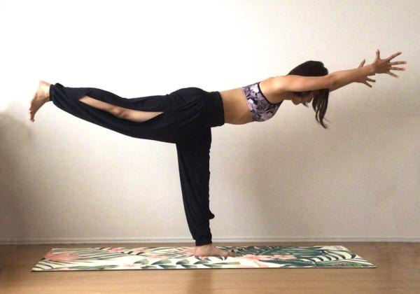 体幹を鍛えて理想の体をGET!おすすめのヨガポーズ5選